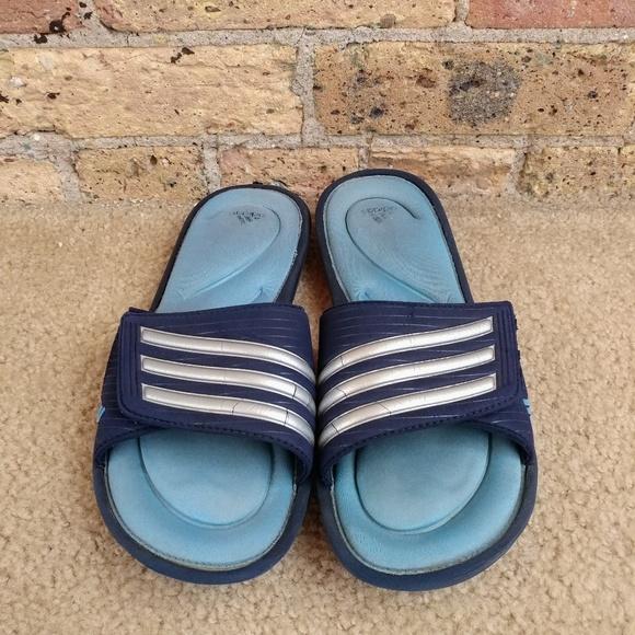 La espuma de la memoria poshmark Adidas zapatos de diapositivas